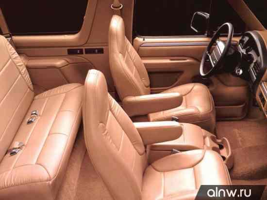 Каталог запасных частей Ford Bronco V Внедорожник 3 дв.