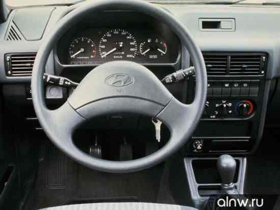 Каталог запасных частей Hyundai Pony II Седан
