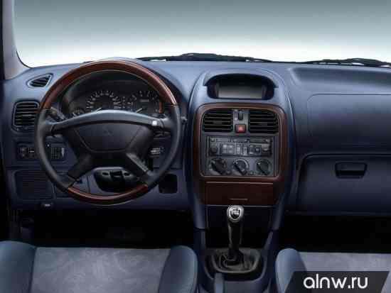 Каталог запасных частей Mitsubishi Carisma  Седан